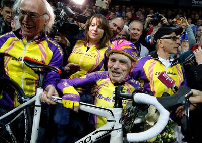 105-year-old cyclist sets world record