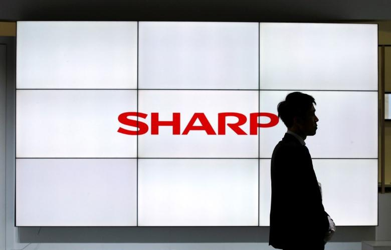 A logo of Sharp Corp is pictured at CEATEC (Combined Exhibition of Advanced Technologies) JAPAN 2016 at the Makuhari Messe in Chiba, Japan, October 3, 2016.   REUTERS/Toru Hanai/File Photo -