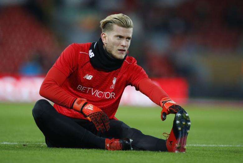 Britain Football Soccer - Liverpool v Manchester City - Premier League - Anfield - 31/12/16 Liverpool's Loris Karius during the warm up before the match Reuters / Phil Noble Livepic