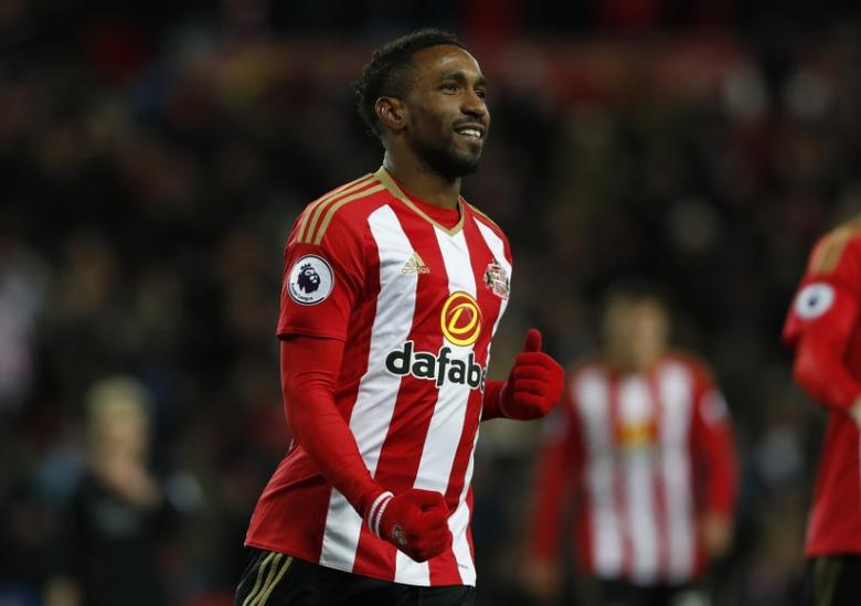 Sunderland's Jermain Defoe celebrates scoring their second goal  Reuters / Russell Cheyne