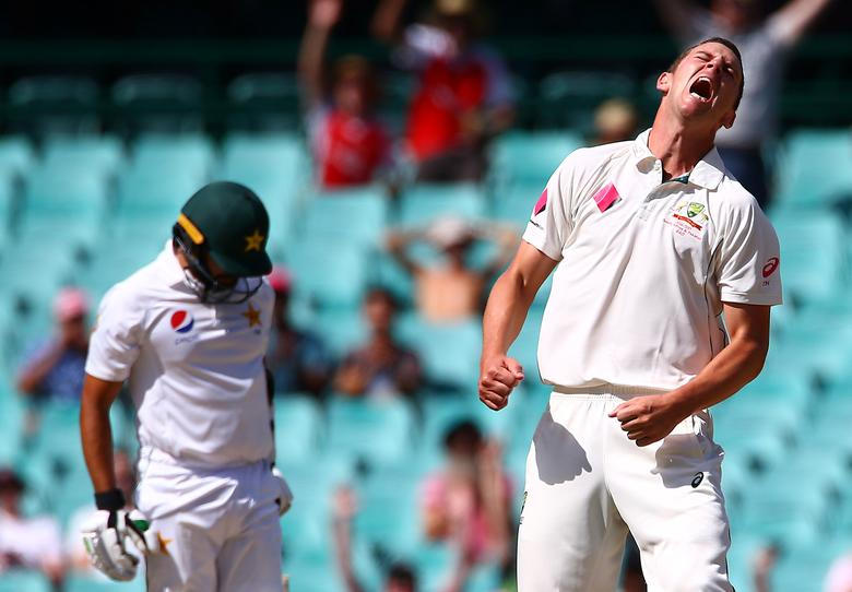 Cricket - Australia v Pakistan - Third Test cricket match - Sydney Cricket Ground, Sydney, Australia - 7/1/17 Australia's Josh Hazlewood celebrates after taking a catch to dismiss Pakistan's Azhar Ali.  REUTERS/David Gray