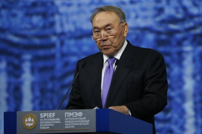 Kazakh President Nursultan Nazarbayev delivers a speech during a session of the St. Petersburg International Economic Forum 2016 (SPIEF 2016) in St. Petersburg, Russia, June 17, 2016.  REUTERS/Grigory Dukor
