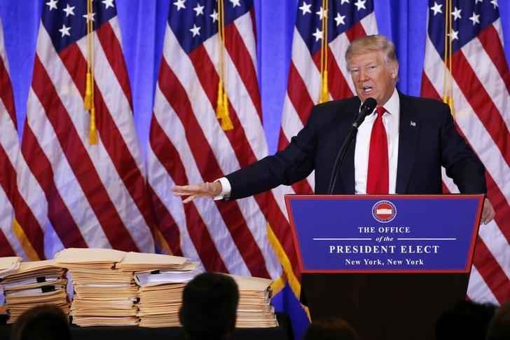 2017年1月11日,美国当选总统特朗普在曼哈顿的特朗普大厦召开记者会,期间对美国情报机构发出指责。REUTERS/Lucas Jackson