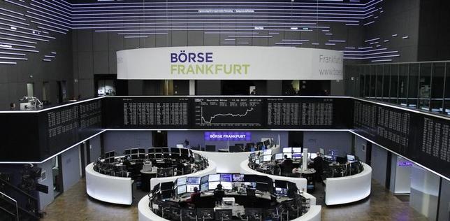 1月12日、ドイツ連邦統計庁が発表した2016年の国内総生産(GDP)速報値は前年比1.9%増と、予想の1.8%を上回り5年ぶりの大きな伸びとなった。フランクフルト証券取引所で11日撮影(2017年 ロイター/Staff/Remote)