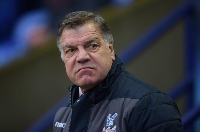 Britain Football Soccer - Bolton Wanderers v Crystal Palace - FA Cup Third Round - Macron Stadium - 7/1/17 Crystal Palace manager Sam Allardyce  Action Images via Reuters / Paul Burrows