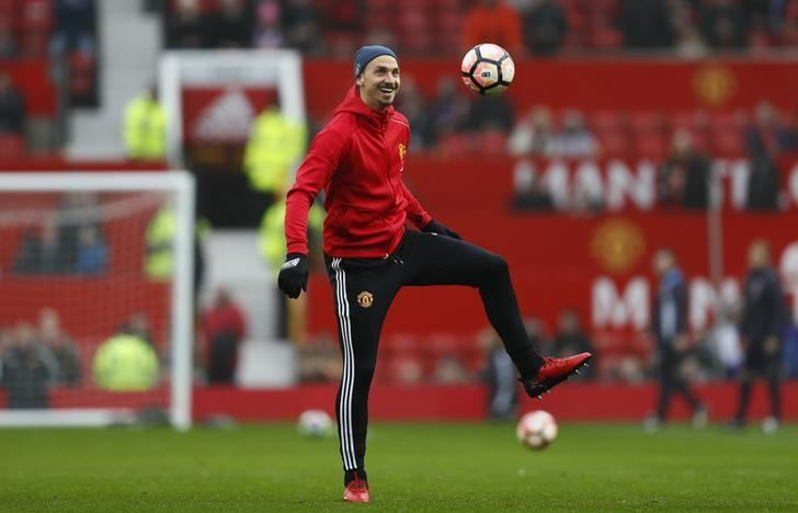 Britain Football Soccer - Manchester United v Reading - FA Cup Third Round - Old Trafford - 7/1/17 Manchester United's Zlatan Ibrahimovic warms up before the match  Action Images via Reuters / Jason Cairnduff Livepic