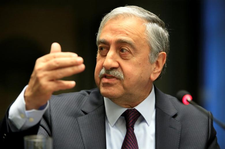 Turkish Cypriot leader Mustafa Akinci speaks during a news conference in Geneva, Switzerland January 13, 2017. REUTERS/Pierre Albouy - RTX2YTBZ