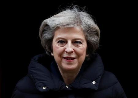 رئيسة وزراء بريطانيا تظهر في عدد أبريل من مجلة فوج الأمريكية