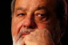 Imagen de archivo del magnate mexicano Carlos Slim en un foro en Ciudad de México, dic 1, 2016.El magnate mexicano Carlos Slim dijo el martes que planea lanzar este año un canal de televisión en Estados Unidos dirigido a la audiencia mexicana, que buscaría competir con las cadenas de habla hispana Univision y Telemundo. REUTERS/Carlos Jasso
