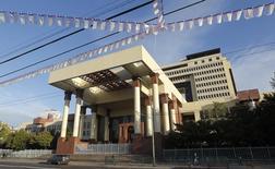 El Congreso Nacional chileno en Valparaíso, sep 24, 2014. El Gobierno chileno informó el miércoles que emitirá deuda pública en el mercado local por un equivalente de hasta 9.000 millones de dólares en 2017, como parte del endeudamiento autorizado en el presupuesto de la nación.    REUTERS/Eliseo Fernandez