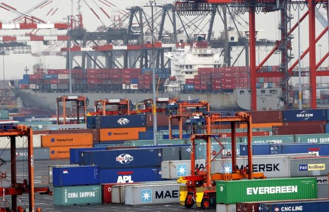 FILE PHOTO - Shipping containers are seen at the Port Newark Container Terminal near New York City July 2, 2009. REUTERS/Mike Segar