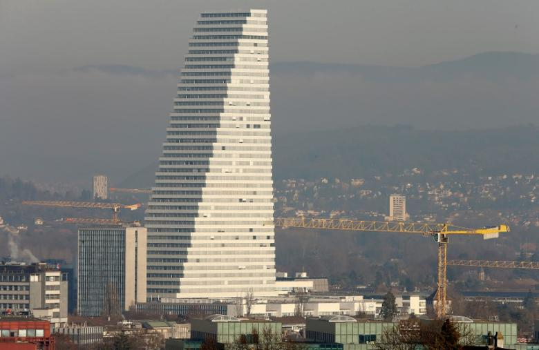 The office tower of the headquarters of Swiss drugmaker Roche is seen in Basel, Switzerland, December 15, 2016.  REUTERS/Arnd Wiegmann