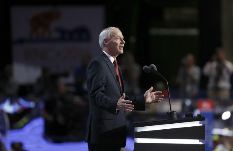 Governor Asa Hutchinson (R-AR) speaks at the Republican National Convention in Cleveland, Ohio, U.S. July 19, 2016.  REUTERS/Mario Anzuoni