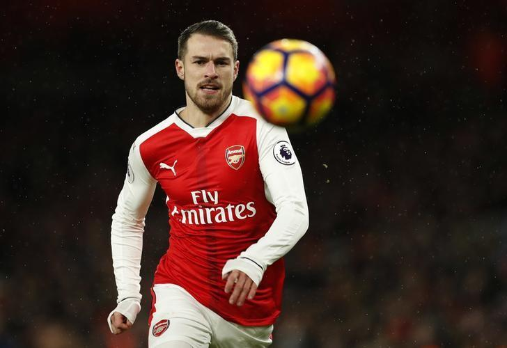 Britain Football Soccer - Arsenal v Crystal Palace - Premier League - Emirates Stadium - 1/1/17 Arsenal's Aaron Ramsey  Action Images via Reuters / John Sibley Livepic/Files