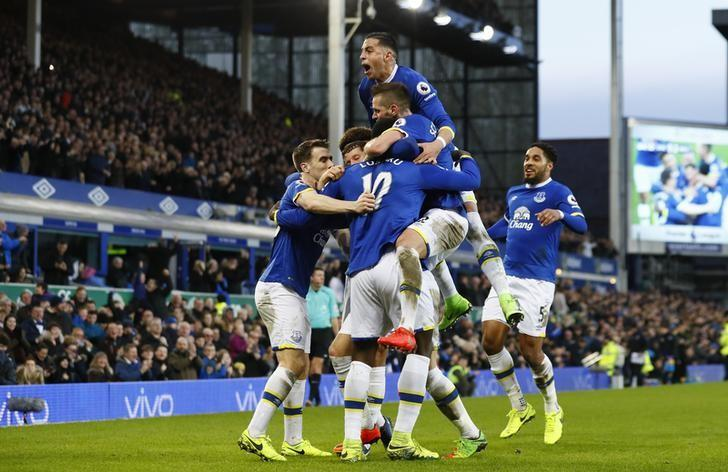 Britain Football Soccer - Everton v AFC Bournemouth - Premier League - Goodison Park - 4/2/17 Everton's Romelu Lukaku celebrates scoring their fifth goal with teammates Action Images via Reuters / Jason Cairnduff Livepic