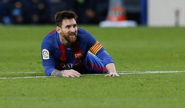 برشلونة يكتسح بيلباو بثلاثية وميسي يسجل رقما قياسيا جديدا