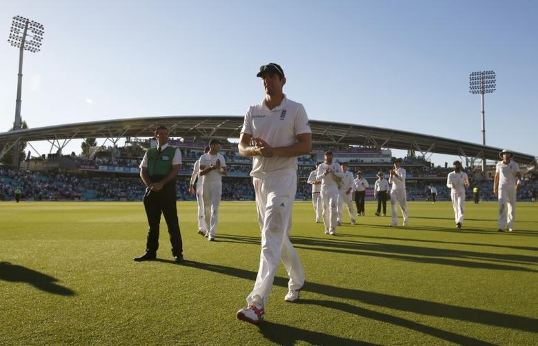 Britain Cricket - England v Pakistan - Fourth Test - Kia Oval - 12/8/16 England's Alastair Cook walks off at the end of play Action Images via Reuters / Paul Childs Livepic EDITORIAL USE ONLY.