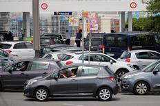 Les immatriculations automobiles ont augmenté de 9,5% en Europe occidentale en janvier grâce à la forte demande observée en France, en Allemagne et en Italie. Le nombre des immatriculations était de 1,11 million le mois dernier. /Photo d'archives/REUTERS/Stephane Mahe