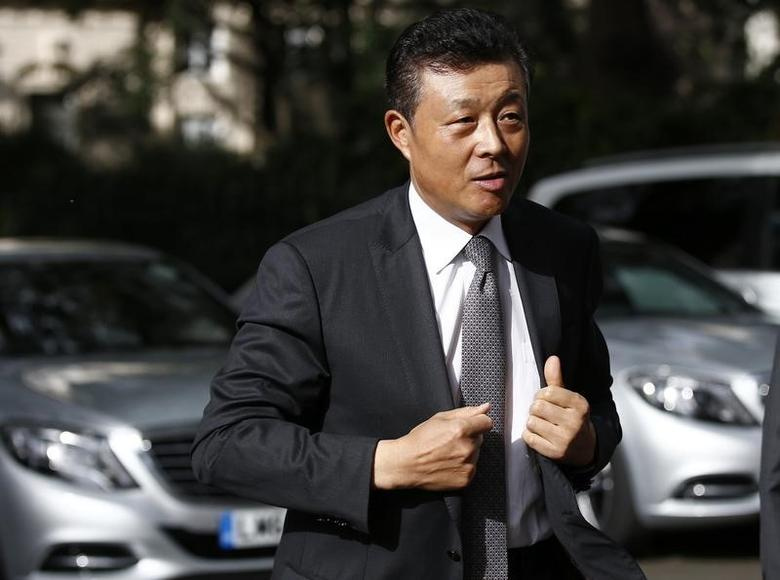 China's ambassador to Britain Liu Xiaoming arrives at 10 Carlton House Terrace in central London, where representatives from Britain, China, France and energy company EDF will sign an agreement to build and operate a new nuclear power station at Hinkley Point, Britain, September 29, 2016. REUTERS/Peter Nicholls