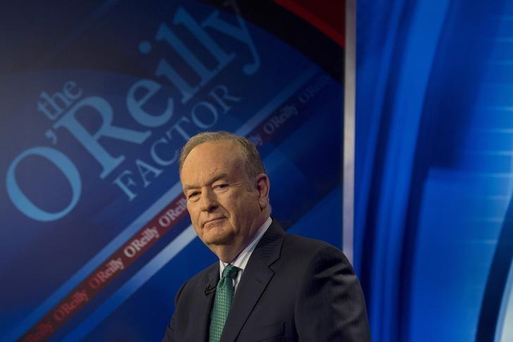 Fox News Channel host Bill O'Reilly poses on the set of his show ''The O'Reilly Factor'' in New York March 17, 2015. REUTERS/Brendan McDermid/Files