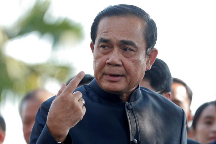 Thailand's Prime Minister Prayuth Chan-ocha gestures as he arrives at a weekly cabinet meeting at the Government House in Bangkok, Thailand, February 7, 2017. REUTERS/Chaiwat Subprasom