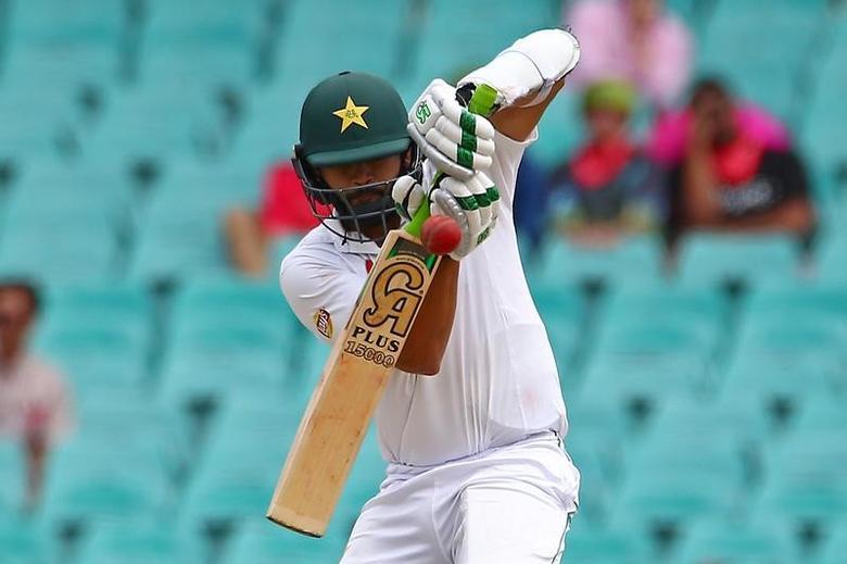 Cricket - Australia v Pakistan - Third Test cricket match - Sydney Cricket Ground, Sydney, Australia - 5/1/17 Pakistan's Azhar Ali plays a short delivery from Australia's Josh Hazlewood.      REUTERS/David Gray