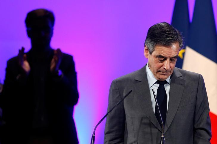 Francois Fillon, a former French prime minister, member of The Republicans political party and 2017 presidential candidate of the French centre-right, attends a political rally in Chasseneuil-du-Poitou near Poitiers, France February 9, 2017. REUTERS/Stephane Mahe