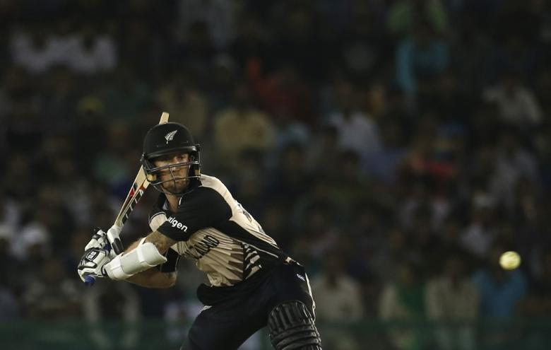 Cricket - New Zealand v Pakistan - World Twenty20 cricket tournament - Mohali, India, 22/03/2016. New Zealand's Luke Ronchi plays a shot. REUTERS/Adnan Abidi
