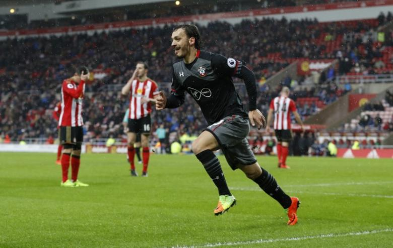Britain Soccer Football - Sunderland v Southampton - Premier League - The Stadium of Light - 11/2/17 Southampton's Manolo Gabbiadini celebrates scoring their second goal Action Images via Reuters / Lee Smith Livepic