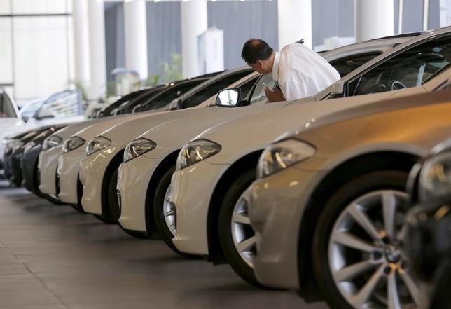 2月13日、中国汽車工業協会(CAAM)が発表した1月の自動車販売台数は前年同月比0.2%増の252万台だった。写真は北京で2015年9月撮影(2017年 ロイター/Kim Kyung Hoon)