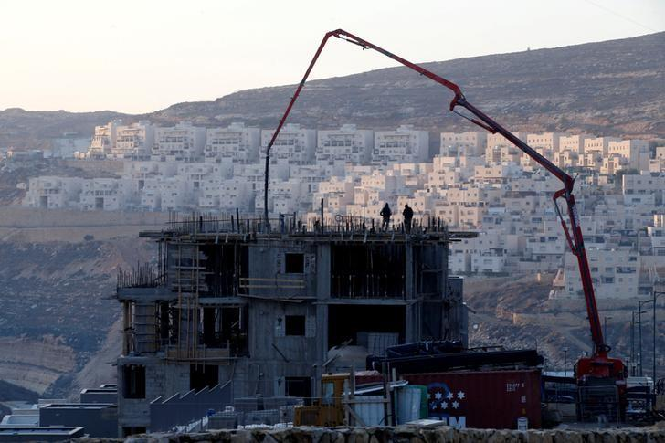 A construction site is seen in the Israeli settlement of Givat Zeev, in the occupied West Bank December 22, 2016. REUTERS/Baz Ratner/File Photo