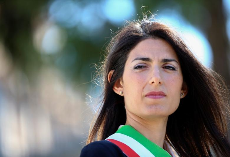 Rome's Mayor Virginia Raggi attends a news conference at Rome's famed Spanish Steps after restoration work that lasted almost a year in Rome, Italy, September 22, 2016. REUTERS/Alessandro Bianchi