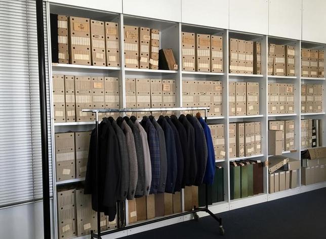 2月14日、世界の繊維製品取引で、買い手側が仕入れ先を中国から欧州のサプライヤーに切り替える動きが増えつつある。伊トレグノの繊維メーカーで昨年12月撮影(2017年 ロイター/Giulia Segreti)