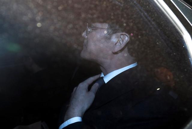 Samsung Group chief, Jay Y. Lee, leaves the Seoul Central District Court in Seoul, South Korea, February 16, 2017.    Shin Wong-soo/News1 via REUTERS