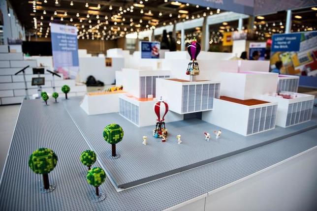 2月16日、デンマークの玩具メーカーのレゴは、ビルン市の本社近くに建設している専門施設「レゴ・ハウス」の概要を明らかにした。今年9月にオープンの予定。提供写真(2017年 ロイター/Scanpix Denmark/ Ida G. Arentsen)