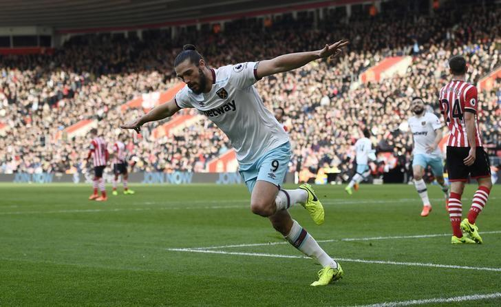 Britain Football Soccer - Southampton v West Ham United - Premier League - St Mary's Stadium - 4/2/17 West Ham United's Andy Carroll celebrates scoring their first goal  Reuters / Dylan Martinez Livepic