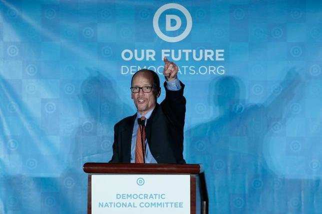 2月25日、米民主党は全国委員長にオバマ政権で労働長官を務めたトーマス・ペレス氏(写真)を選出した(2017年 ロイター/Chris Berry)