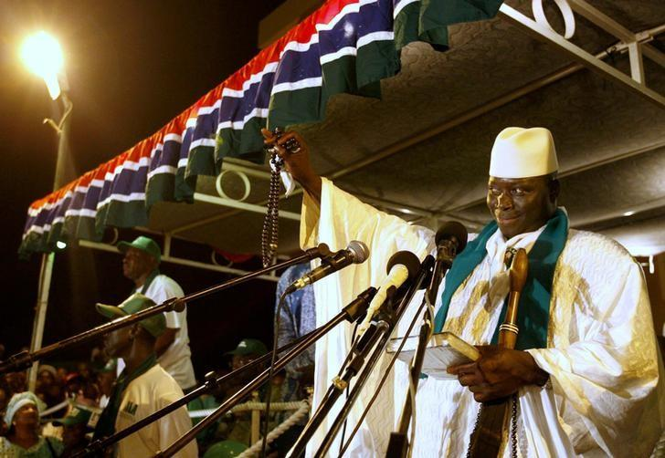 Gambian President Yahya Jenneh gestures during a speech at his final campaign rally in the capital Banjul, September 20, 2006.  REUTERS/Finbarr O'Reilly/File Photo