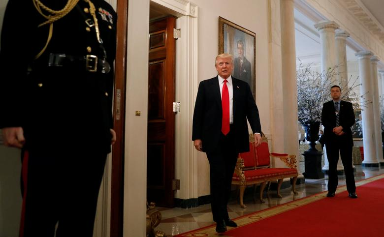 U.S. President Donald Trump arrives for a National Governors Association meeting at the White House in Washington, U.S. February 27, 2017.  REUTERS/Kevin Lamarque