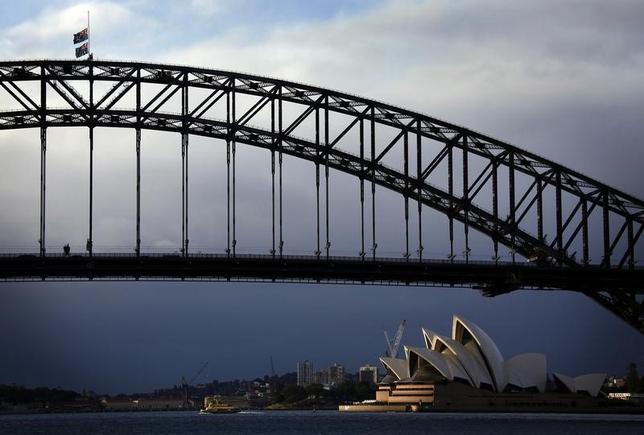 3月1日、オーストラリアは、新しい外交政策策定に関連し、在外大使全員を世界各地から一時帰国させる。豪紙シドニー・モーニング・ヘラルドが報じた。写真はシドニーで2014年7月撮影(2017年 ロイター/David Gray)