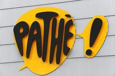 Gaumont a annoncé mercredi que Pathé s'était engagé à racheter sa part de 34% dans la société d'exploitation Les Cinémas Gaumont Pathé pour un montant de 380 millions d'euros. /Photo prise le 11 octobre 2016/REUTERS/Arnd Wiegmann