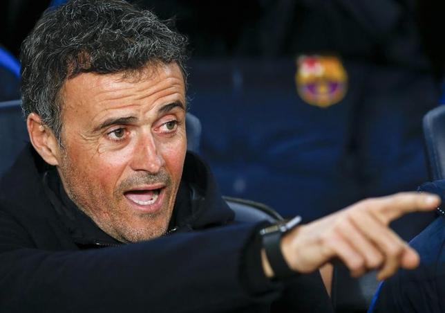 3月1日、サッカーのスペイン1部、バルセロナのルイスエンリケ監督は、契約が終了する今季限りでの退任を発表した。バルセロナで2月撮影(2017年 ロイター/Albert Gea)
