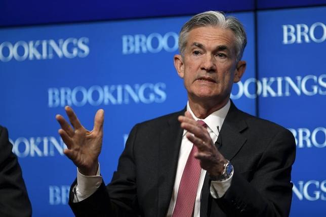 3月2日、米連邦準備理事会(FRB)のパウエル理事は、FRB内で3月利上げへの支持が広がっているとし、14─15日開催の連邦公開市場委員会(FOMC)では利上げが検討されるとの見方を示した。2015年撮影(2017年 ロイター/Carlos Barria)