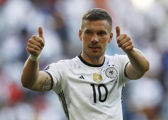 3月2日、サッカーのJ1、神戸はガラタサライ(トルコ)から元ドイツ代表FWルーカス・ポドルスキ(31)を完全移籍で獲得することを発表した。2016年6月撮影(2017年 ロイター)