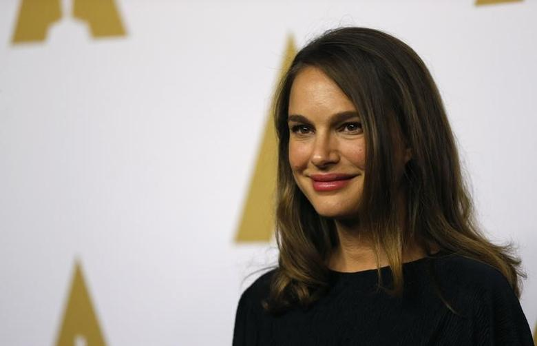 Actress Natalie Portman arrives at the 89th Oscars Nominee Luncheon in Beverly Hills, California, U.S., February 6, 2017.  REUTERS/Mario Anzuoni