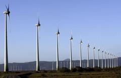 Torres de energia eólia na cidade de Osório, no Rio Grande do Sul 30/11/2007 REUTERS/Jamil Bittar