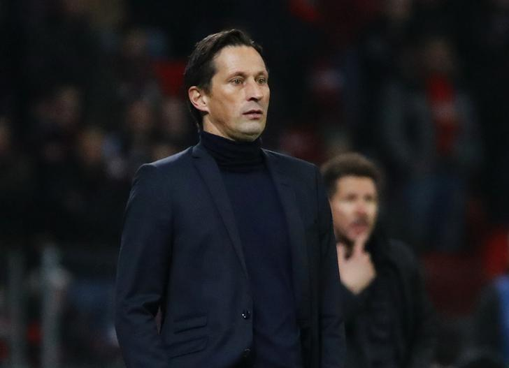 Football Soccer - Bayer Leverkusen v Atletico Madrid - UEFA Champions League Round of 16 First Leg - BayArena, Leverkusen, Germany - 21/2/17 Bayer Leverkusen coach Roger Schmidt and Atletico Madrid coach Diego Simeone Reuters / Wolfgang Rattay Livepic