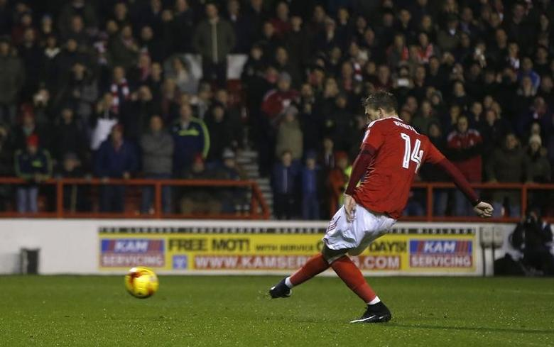 Britain Football Soccer - Nottingham Forest v Newcastle United - Sky Bet Championship - The City Ground - 2/12/16 Nottingham Forest's Nicklas Bendtner has his penalty saved by Newcastle's Karl Darlow Mandatory Credit: Action Images / Paul Childs Livepic