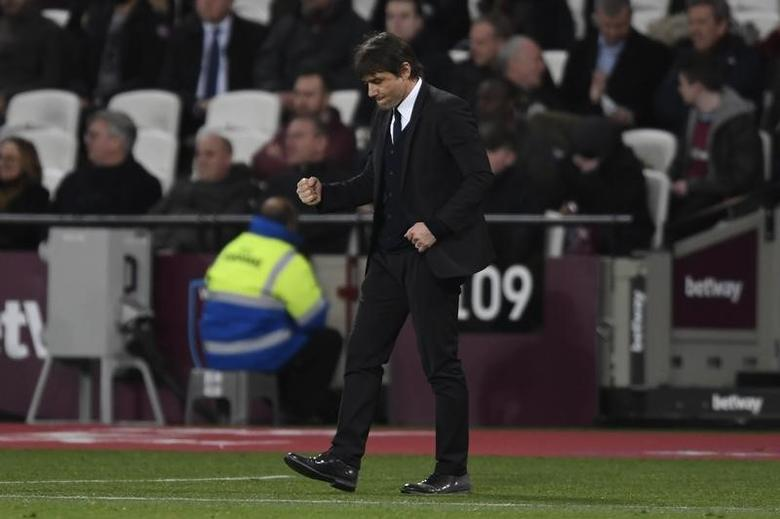 Britain Football Soccer - West Ham United v Chelsea - Premier League - London Stadium - 6/3/17 Chelsea manager Antonio Conte celebrates after the game  Action Images via Reuters / Tony O'Brien Livepic