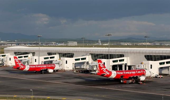 3月7日、マレーシアのザヒド副首相は、同国に滞在する北朝鮮人の出国を即時禁止すると表明した。写真はクアラルンプールの国際空港。昨年2月撮影(2017年 ロイター/David Gray)